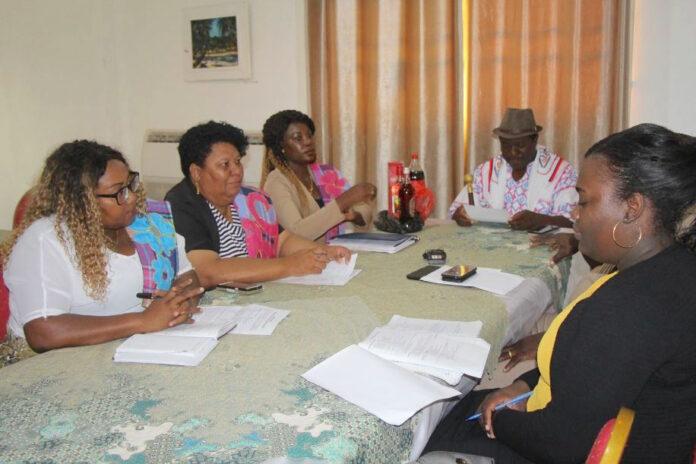 Verkiezingswerkgroep van ministerie bezoekt Boven - Suriname gebied