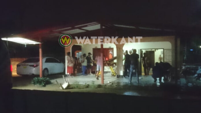 Man naar ziekenhuis na schotwonden bij gewapende roofoverval in woning