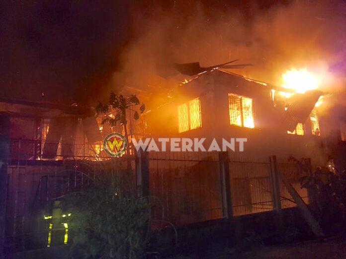 Gebouw in brand aan de Indira Gandhiweg; gaat om Club Carlito