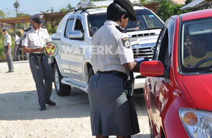 politie controle in Suriname