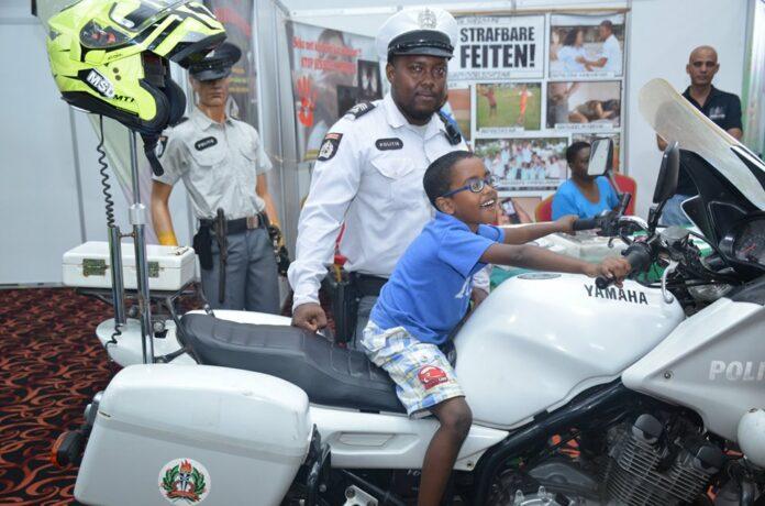 Korps Politie Suriname levert bijdrage aan Heritage Kids Events