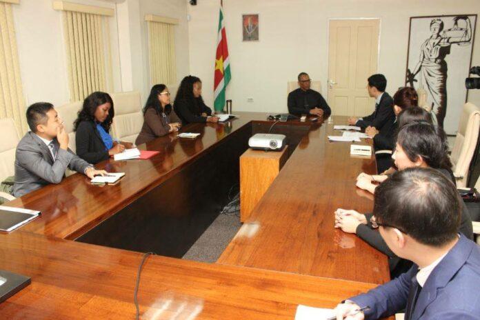 Uitleveringsverdrag tussen Suriname en China komt eraan