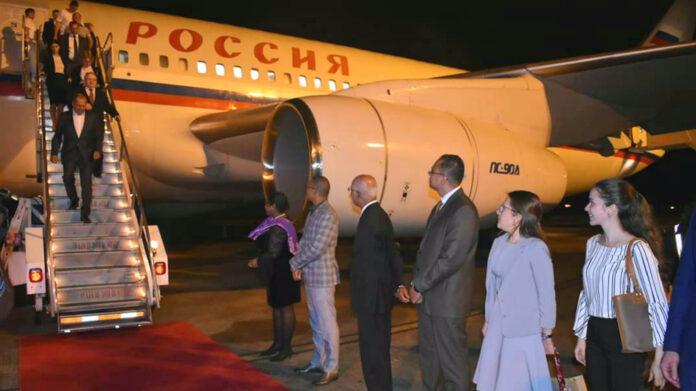 Russische Buza minister gearriveerd in Suriname
