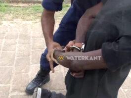 Roofverdachte die op politie schoot neergeschoten en in ziekenhuis overleden