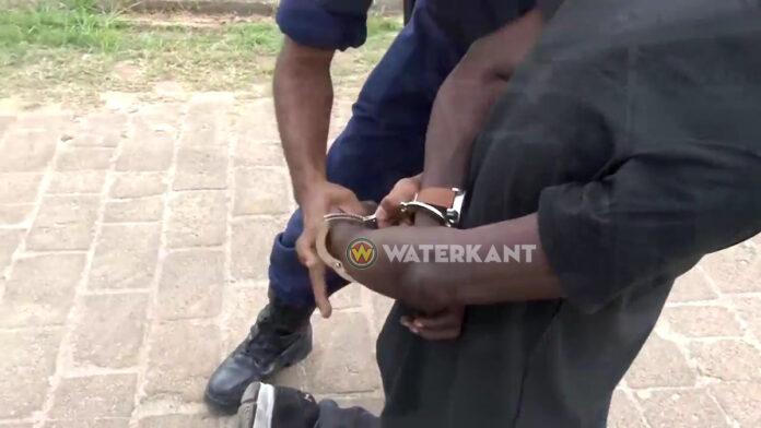 verdachte die op politie schoot neergeschoten en in ziekenhuis overleden
