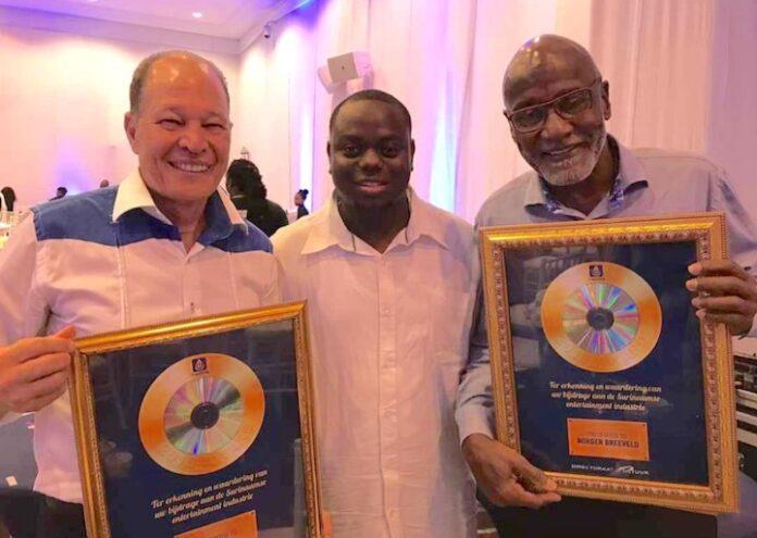 Uitreiking Achievement Awards bij lancering TrackDrip in Suriname