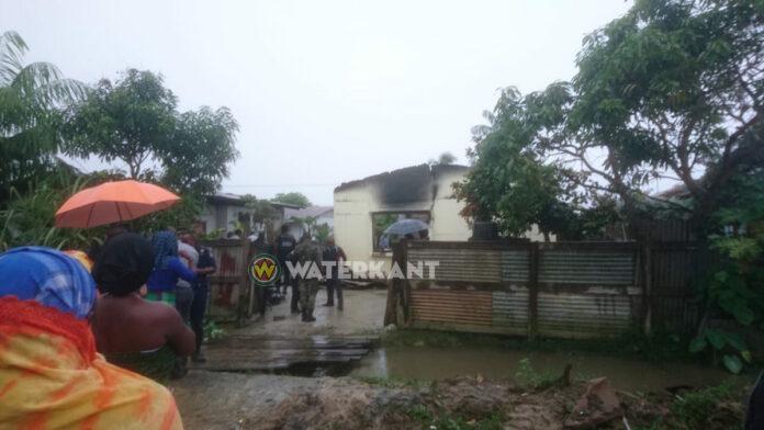 Kindje overleden na woningbrand vanmorgen in Suriname