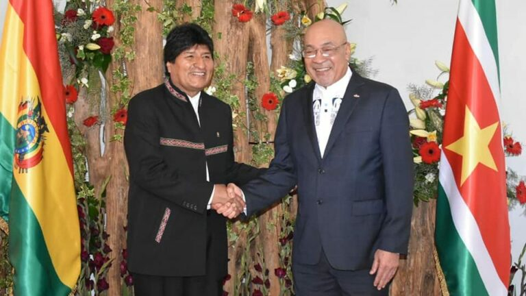 President Bouterse ontvangt Boliviaanse president Evo Morales op paleis