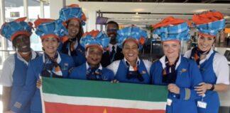 KLM personeel staat stil bij Keti Koti viering