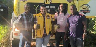 Lions Club Paramaribo Central en vrienden ondersteunen Mangrove project