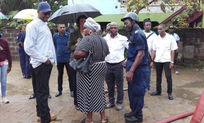 Minister over dood kinderen bij brand: 'zeer dramatische dag voor Suriname'