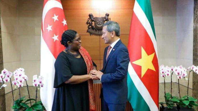 Suriname verstevigt bilaterale relatie met Singapore
