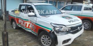 Nieuw voertuig politie Suriname zwaar beschadigd