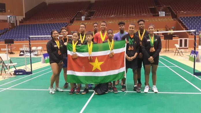 20 medailles waarvan 9 goud voor Surinaamse badminton jongeren