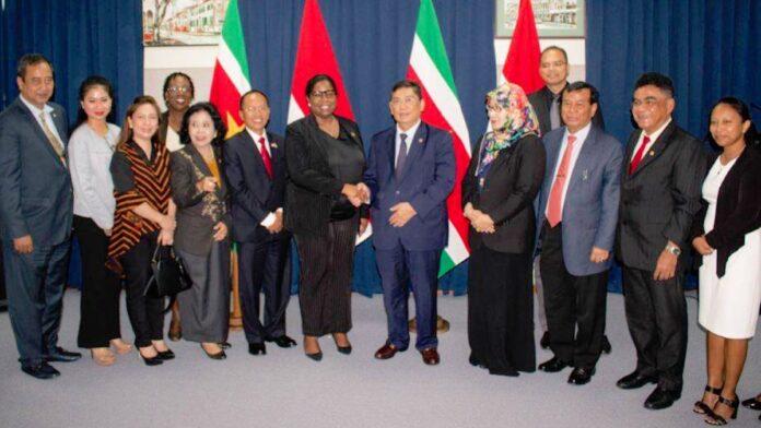 Indonesische parlementsleden willen historische band met Suriname verstevigen
