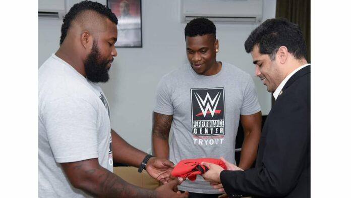 Surinaamse gebroeders Dongo binnenkort in echte WWE wedstrijden