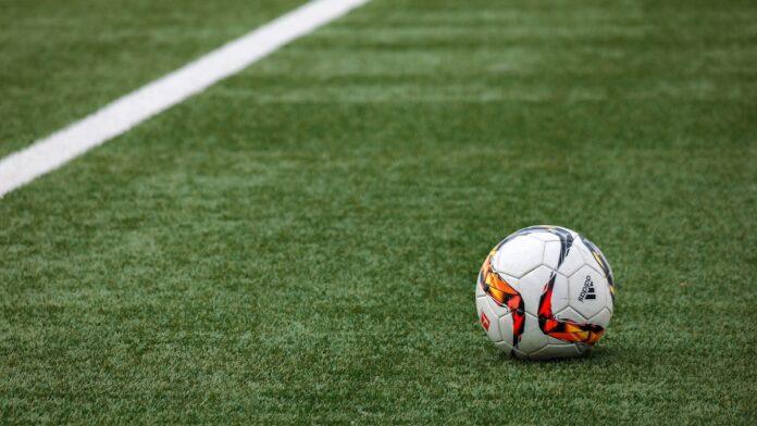Professioneel voetbal in Suriname een serieuze zaak