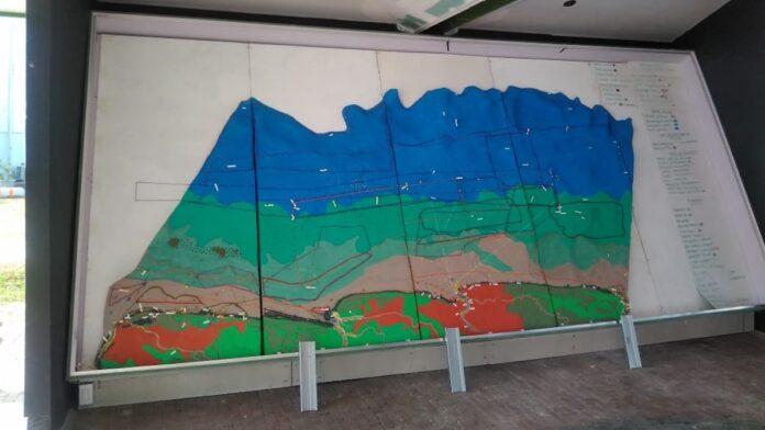 Presentatie van 3-D kaart van het kust en mariene gebied van Suriname