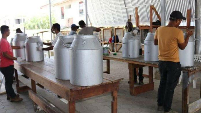 CBB maakt stembureaumeubilair klaar voor distributie