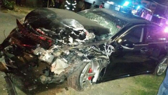 Gewonden bij zware aanrijding tussen drie voertuigen Kwattaweg