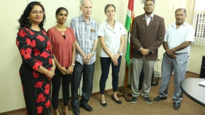 Nieuwe Nationale Geneesmiddelen Klapper commissie geïnstalleerd in Suriname