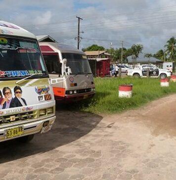 Vergunningen van buschauffeurs ingetrokken na controle