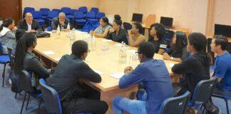 Ministers uit Suriname bezoeken Surinaamse studenten in Servië