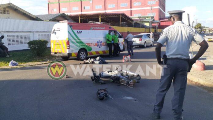 Bromfietser ter plekke overleden na aanrijding