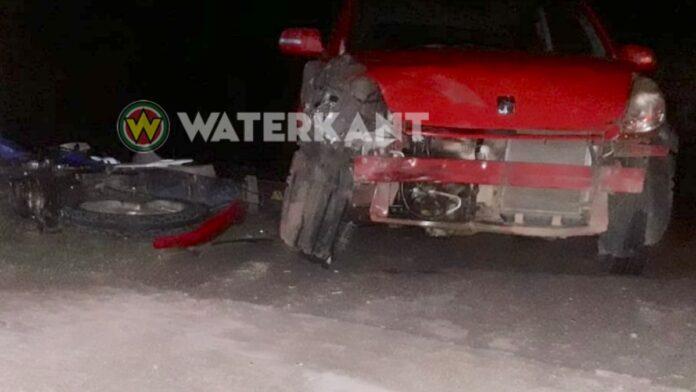 Slachtoffers bij aanrijding tussen auto en bromfiets te Saramacca