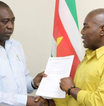 Conceptwet grondenrechten binnenland van Suriname naar minister