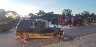 Twee gewonden bij frontale aanrijding tussen pick-up en personenwagen