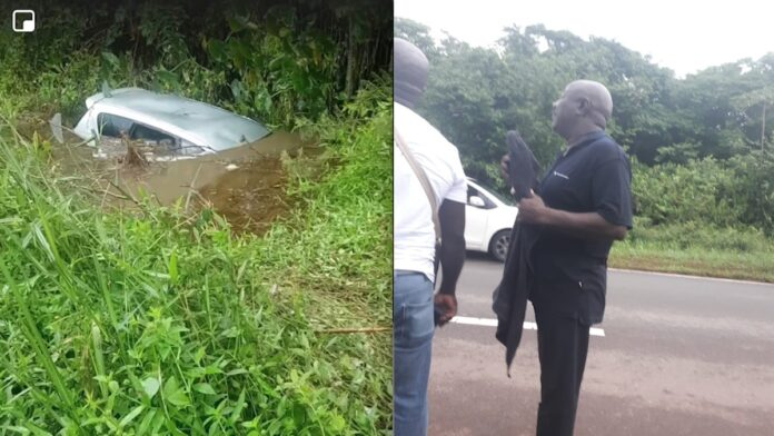 VIDEO: man red vijf mensen uit auto die te water raakte
