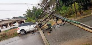 Stroompalen met transformator vallen op auto