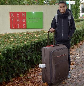 Dove Wiren uit Suriname begonnen op school in Nederland