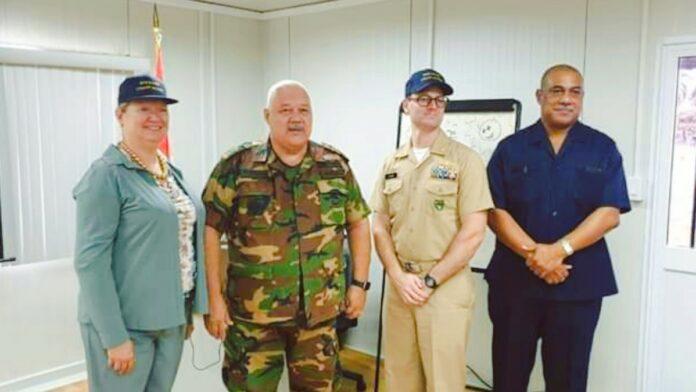 Amerikaanse ambassadeur bezoekt Kustwacht van Suriname
