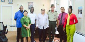 Vincent Terborg namens de Bond Inspecteurs Milieu Inspectie en Santusha Sewnandan, namens de Personeelsbond van het BOG.