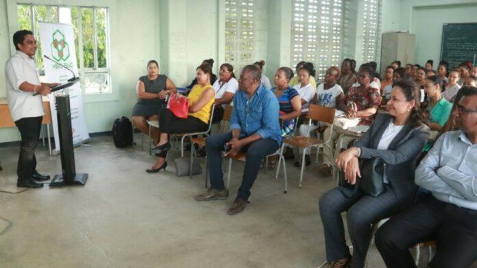 Masteropleiding in het vooruitzicht voor Surinaamse ambtenaren