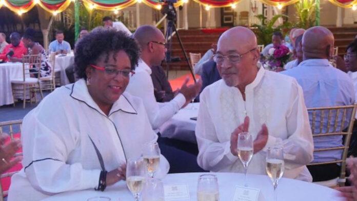 Premier van Barbados op werkbezoek in Suriname