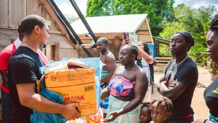 Social Army ingezamelde spullen uitgedeeld in Masia