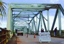 Stolkertsijverbrug krijgt schoonmaakbeurt in verband met Srefidensi