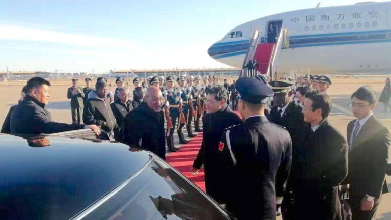Aankomst president Bouterse en delegatie uit Suriname in China