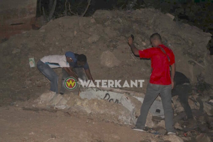Lijk geborgen onder Wijdenbosch brug in Suriname