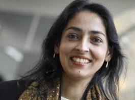Sharda Nandram één van de weinige vrouwelijke professoren van Surinaamse afkomst