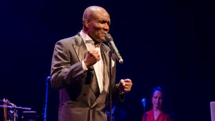 Oscar Harris grote verrassing op Evergreen Concert in Suriname