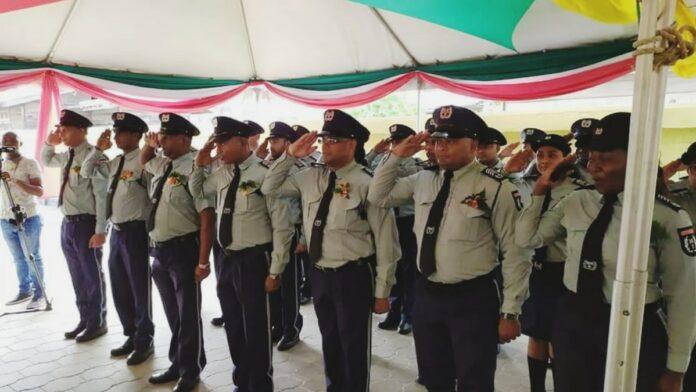 Ambtenaren Beveiligings- en Bijstandsdienst Suriname bevorderd