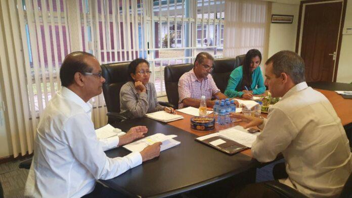 LVV-minister voert vervolggesprek met Cubaanse ambassadeur