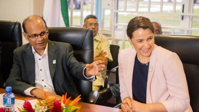LVV-minister zoekt nieuwe exportmarkten voor Suriname