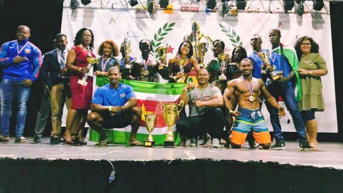 Surinaamse bodybuilders kampioen in alle categorieën Yana Cup
