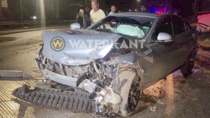 Inzittenden komen met de schrik vrij na zwaar ongeluk in Suriname