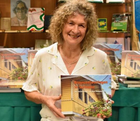 Nieuw boek over Bruynzeelwoningen in Suriname